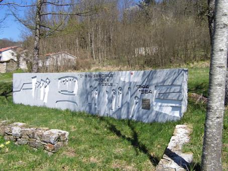 25 Aprile con il monumento alle Donne Portatrici Partigiane.