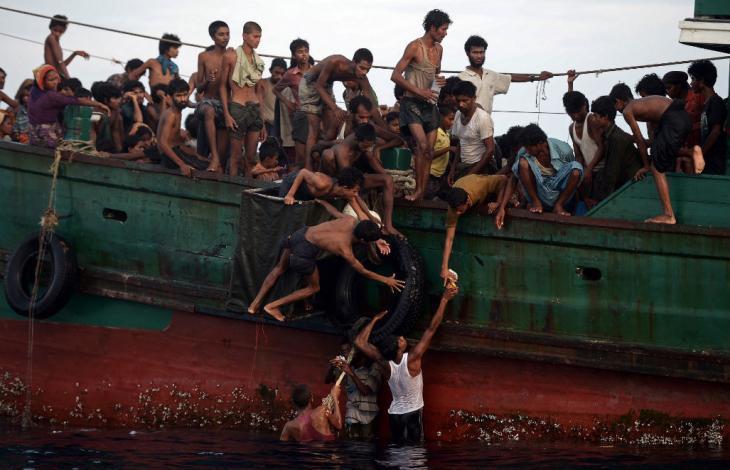 Barconi rohingya-birmania.jpg
