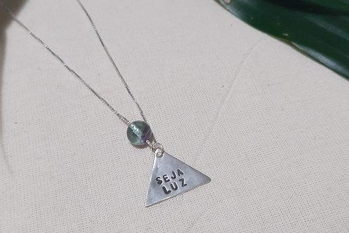 Colar Amuleto com Bola de Cristal (triângulo)