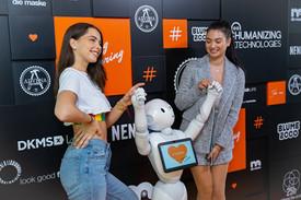 #NANDINI Jenny Czeczor und Paola mit Pepper
