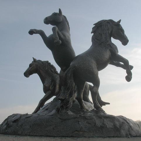 פסל סוסים באירלנד