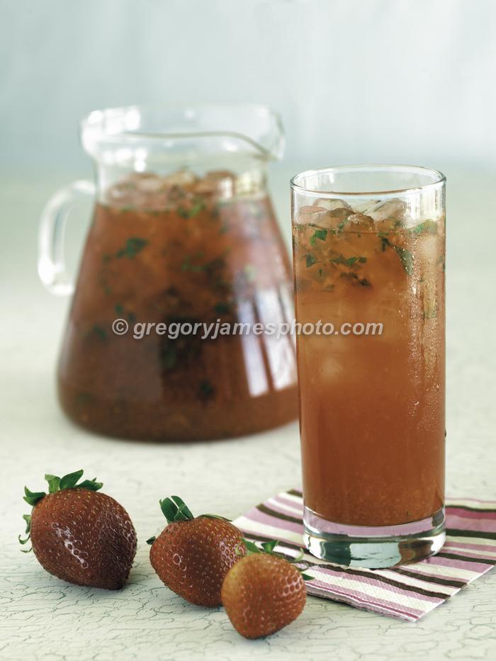 Iced Strawberry Green Tea