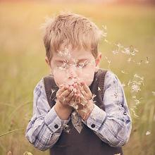 blow-boy-child-551573.jpg