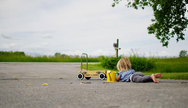 asphalt-blond-hair-child-2763922_edited.jpg