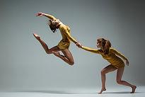 Ballare delle due donne