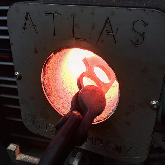 We love our #atlasminiforge_This be another FIK going in for heat treat. The new batch of FIKs drops