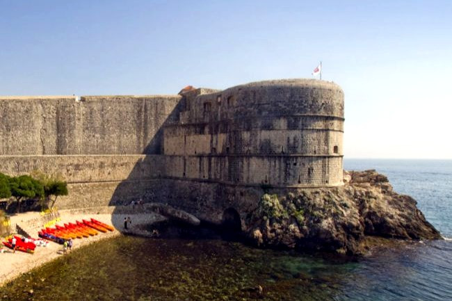 Take a kayaking tour to see Dubrovnik's walls from the sea!