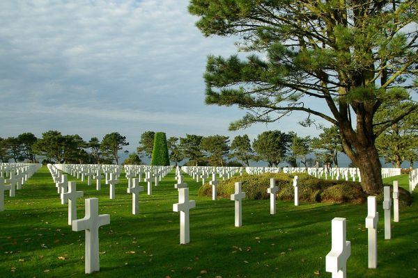 Choose a Seine river cruise to visit the Normandy D-Day landing beaches
