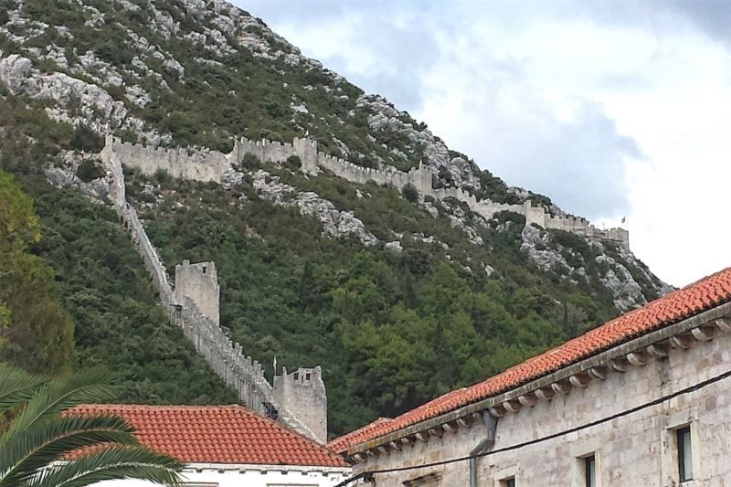 In Ston, you will find well-preserved medieval walls, fresh seafood, and splendid wines.