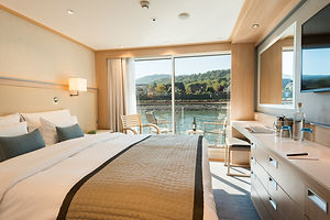 French_Balcony_Stateroom_edited.jpg