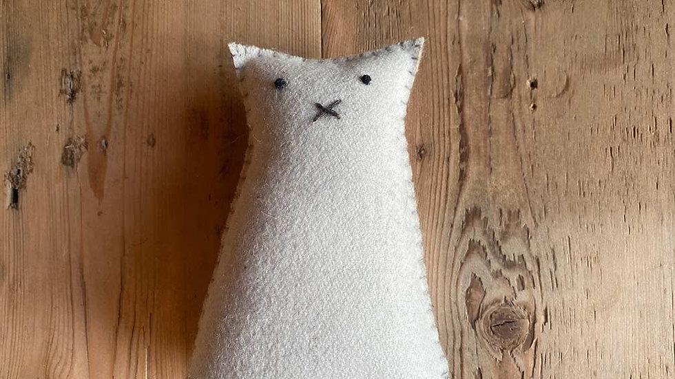 Cat 'felt' (Helena)