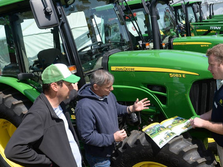 Bank lending leaps as farmers lead business asset investment rush