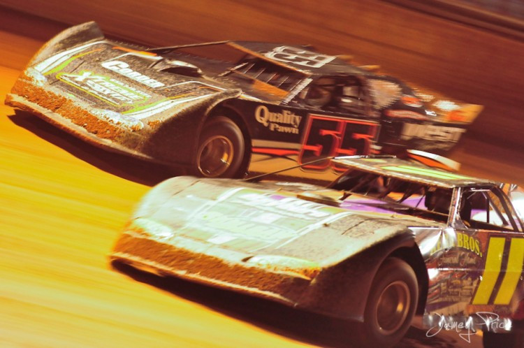 Racing action at Ponderosa Speedway