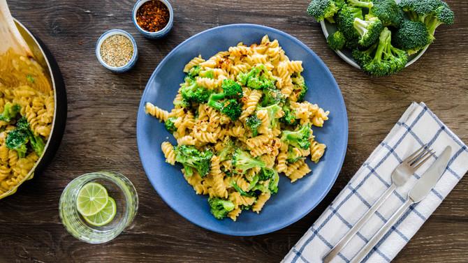 EASY WEEKNIGHT MEALS | Creamy Broccoli Pasta | Mushroom Quesadillas | Oven Roasted Garlic Potatoes