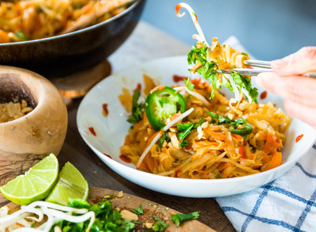 HOW TO MAKE EASY PLANT BASED PAD THAI - under 30 minute meals for 2