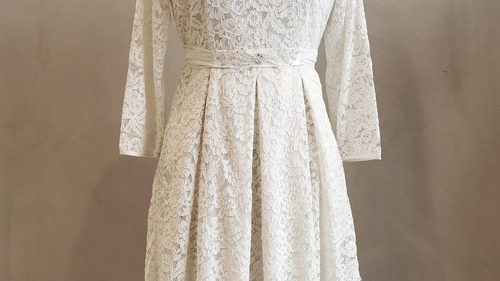 By Timo kjole nummer 2 i størrelse Large