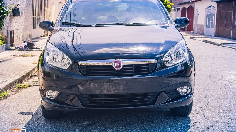 FIAT GRAND SIENA  R$39.000,00  1.6 MPI ESSENCE 16V FLEX 4P MANUAL 2016