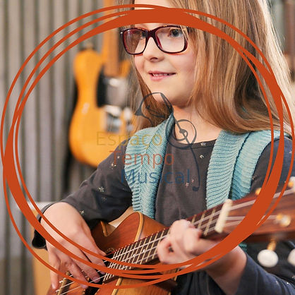 Aula de ukulele.jpg