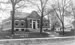 Polo. IL Carnegie library