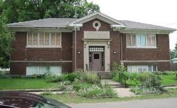 Photo of abandoned Toulon, IL Carnegie library building.