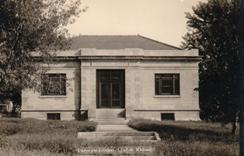Photo postcard of Lyndon, KS Carnegie library