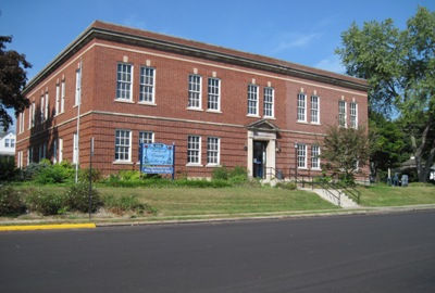 Bedford County Library, PA, photo copyright 2019 by author, Judith Aulik