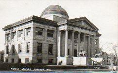 Oshkosh (WI) public library, plus lion statues