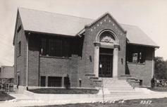 Hart Memorial Library, of Belle Plaine, IA