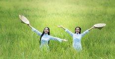 women in field.jpg