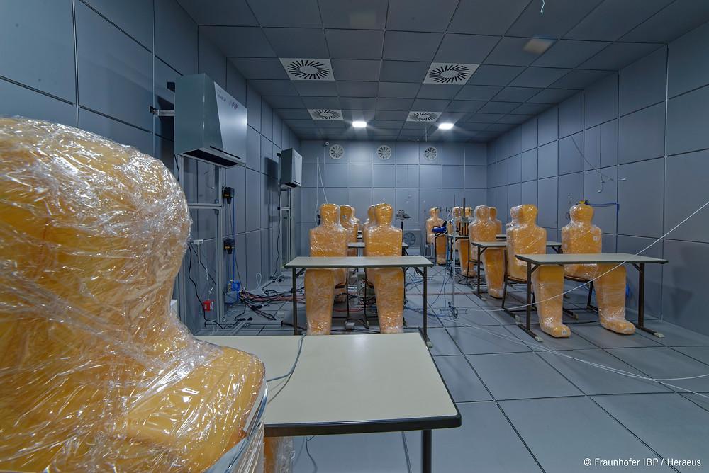 Simulation eines besetzten Klassenzimmers beim Frauenhofer Institut für Bauphysik. Bild: Frauenhofer IBP