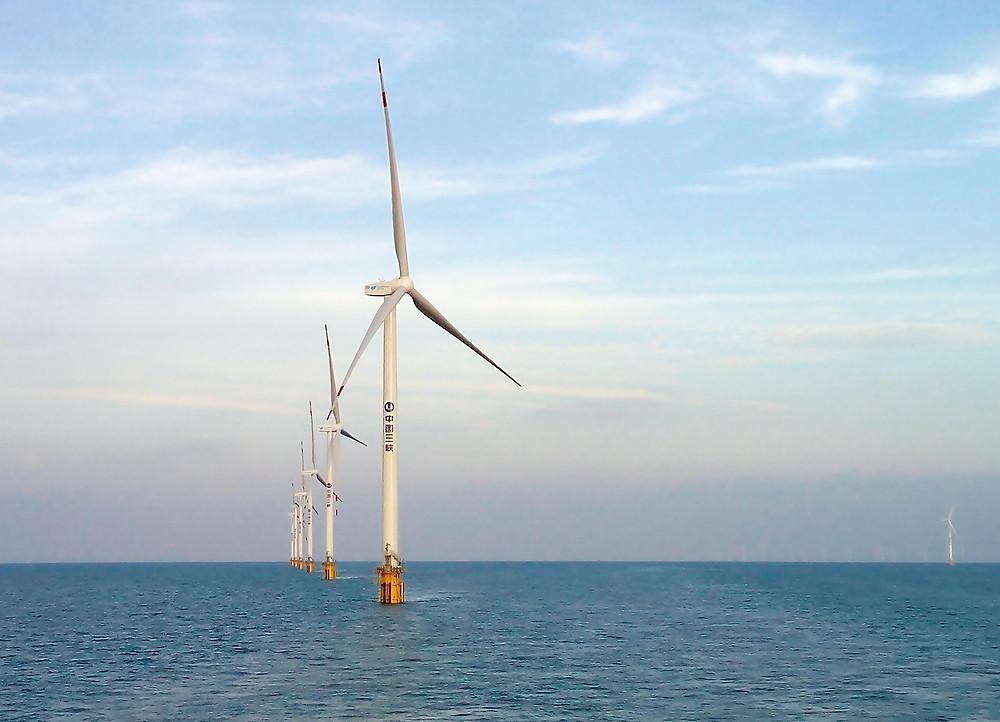 Im Off-Shore-Betrieb müssen die Windkraftanlagen der salzigen Seeluft trotzen. Foto: Goldwind