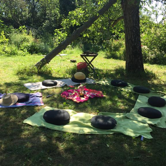 Frauen-Camp 2021 - in Weiblichkeit baden