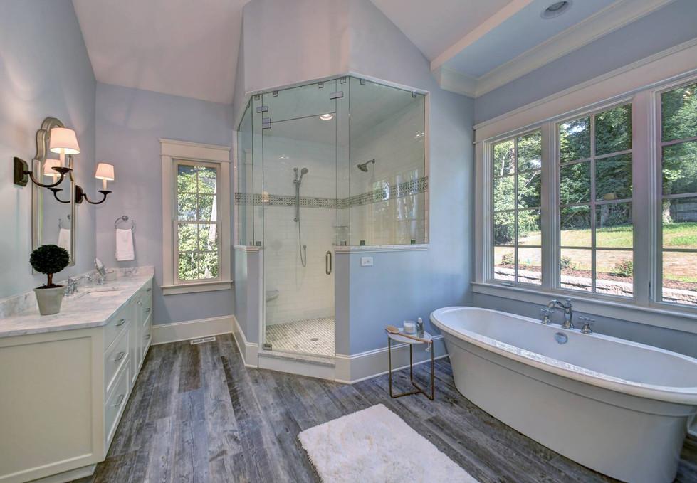 Master Bath1.jpg