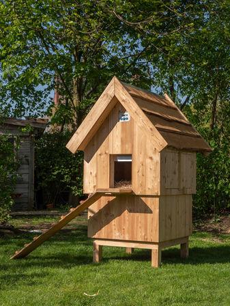 Hühnerstall mittel mit Holzdach € 589, -