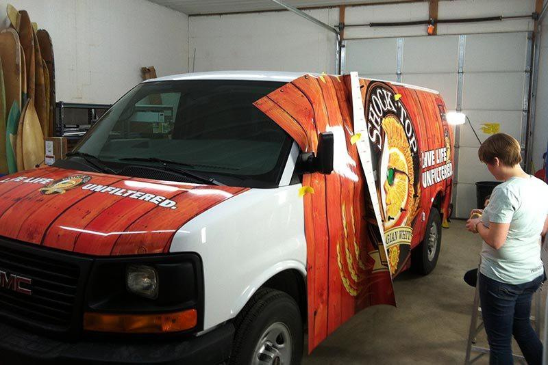 Изготовление и нанесение брендирования на фургон