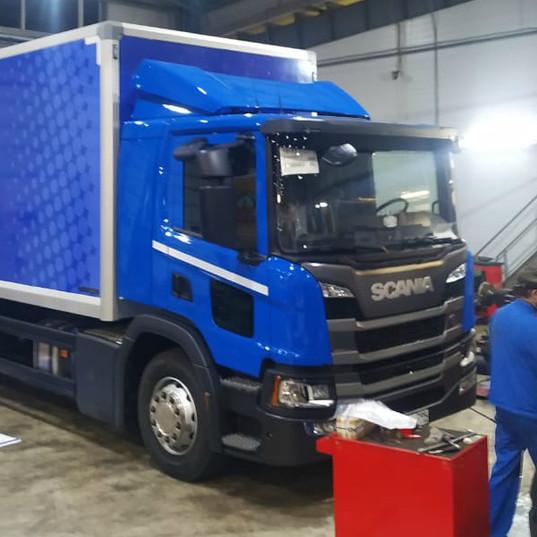 Carner брендирование грузового авто фото