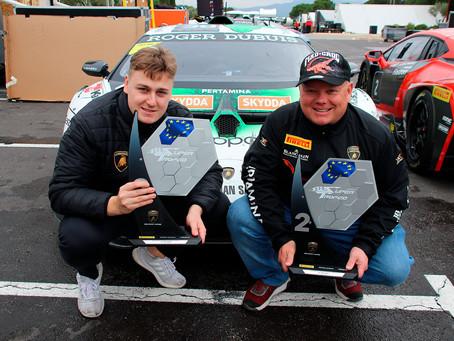 Elias Niskanen ja Mikko Eskelinen Lamborghini Super Trofeo Euroopanmestaruussarjan hopeamitalistit