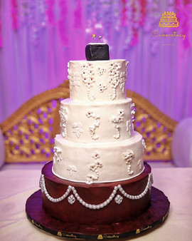 Engagement cake.. Loved the colors combi