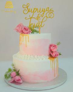 The most elegant engagement cake ever...
