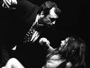 """Maurizio Tonelli e Carolina Balboni in """"A night out"""" di Harold Pinter. Una regia di Nino Campisi. Teatro del Navile, stagione 2001-2002."""