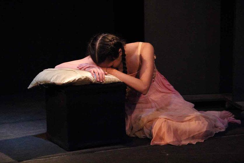 Nella foto: Victoria Sinardi, Teatro del Navile, marzo 2017