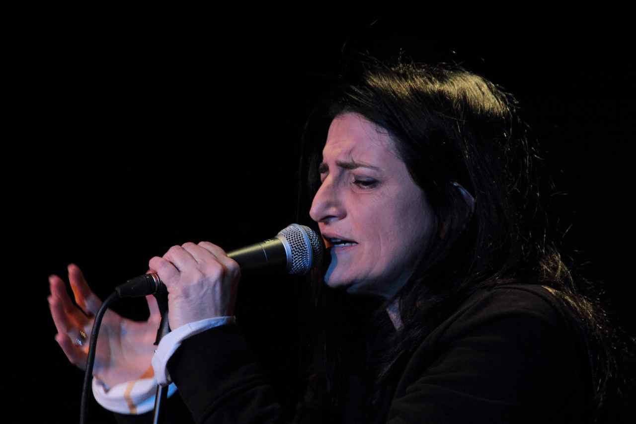 Pia Tuccitto, 4 marzo sotto casa di Lucio, Teatro del Navile (Foto di Agnese Cor