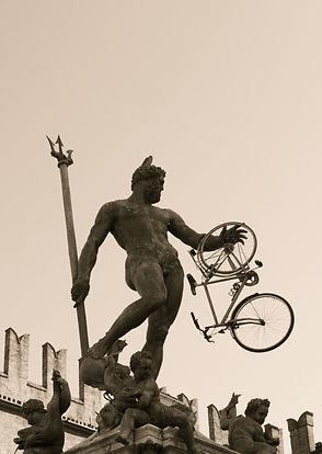"""""""Nettuno con bici"""", Nino Campisi, Bologna2012"""