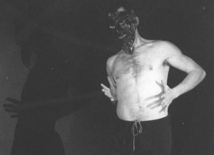 """Daniele Ruzzier in """"Non è costume del cielo alzare la testa"""" regia di Nino Campisi (1988)"""