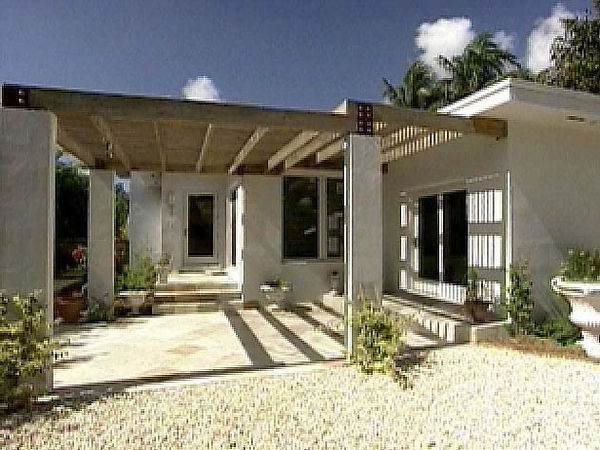 House remodeling on Miami Beach by United Architects featured on HGTV