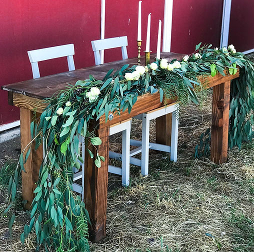 RUSTIC WOOD SWEETHEART TABLE