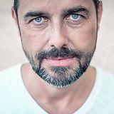 Micha_Portrait_by Dieter Hirt_1.jpg