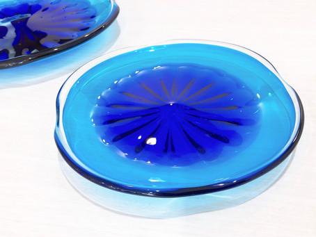 琉球ガラス 珊瑚の海 青皿 入荷致しました