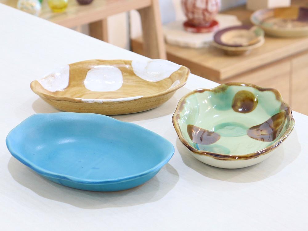 やちむん 楕円ゆがみ皿  琉球ガラス やちむん 人気 かわいい おすすめ 沖縄 宮古島 通販 かっこいい おしゃれ