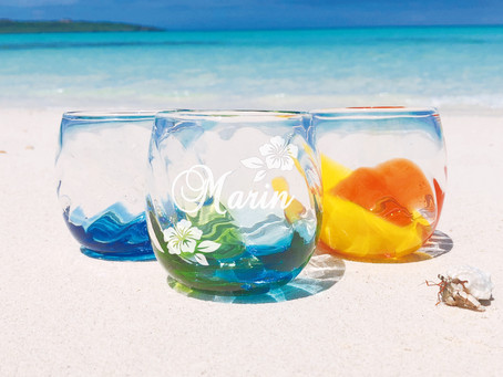 東洋No1ビーチで琉球ガラスの撮影